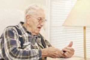 Caregiver in Fort Lauderdale FL: Social Media Benefits